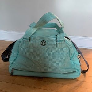 Women's Lululemon duffle bag